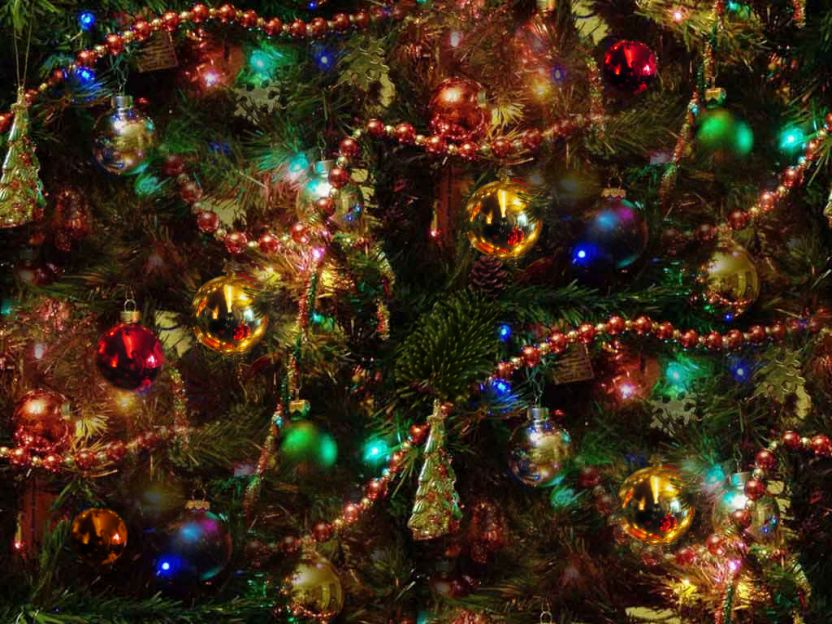christmas-tree-colourful-seamless.jpg